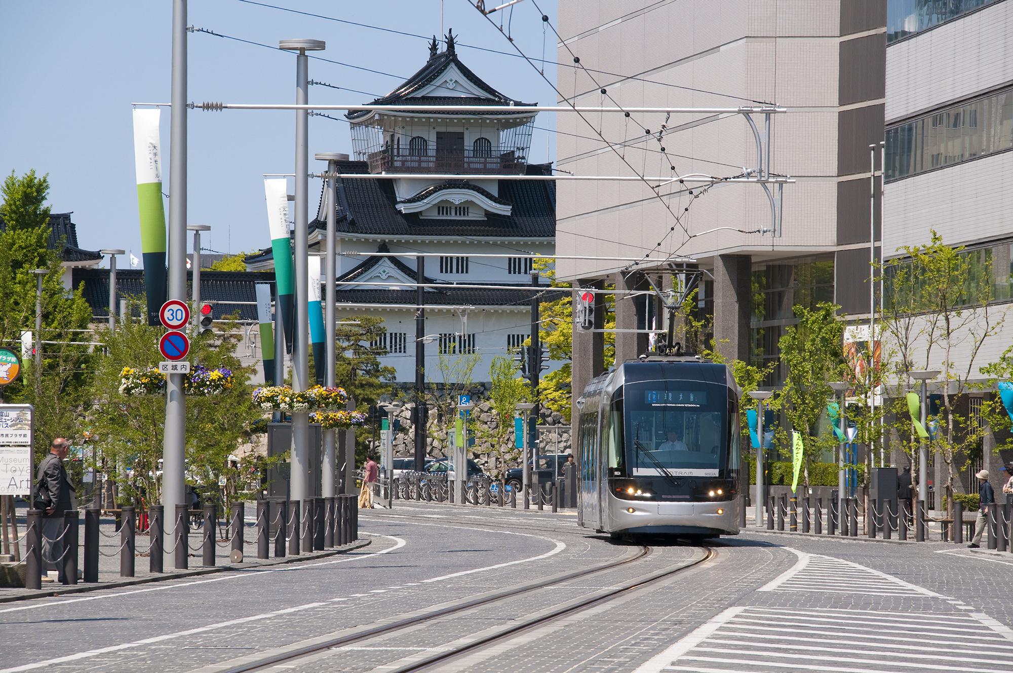 2016年 優秀賞 富山市 市内電車環状線 | 土木学会デザイン賞